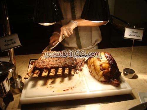 Hmm.. Roast Beef and Sweet Ham!!!