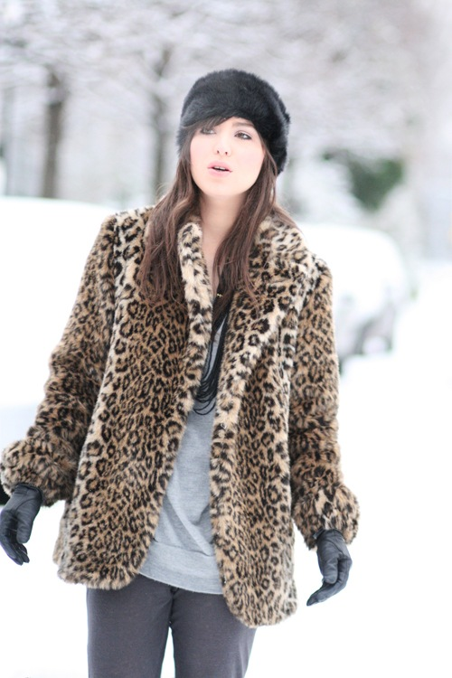 Leopard coat @ Bette's Vintage Line