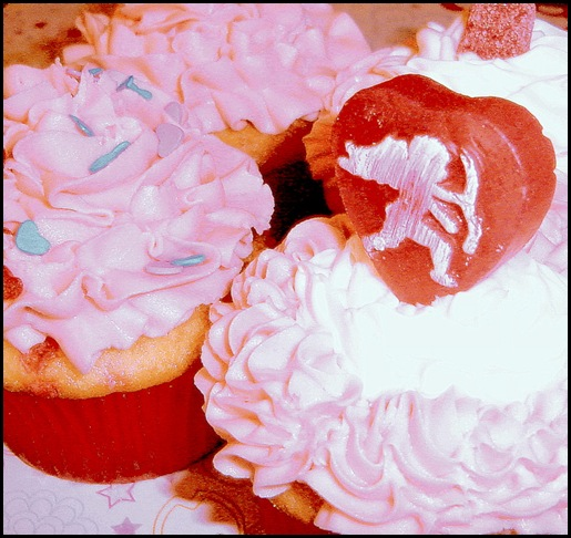 Vday cupcakes & beignettes 002