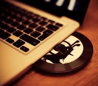 CD Free single USB flash drive