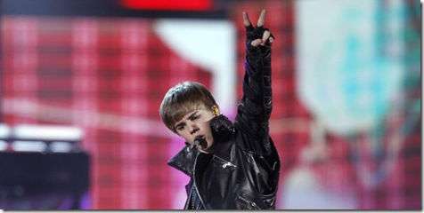 Justin-bieber-live-performance-photos