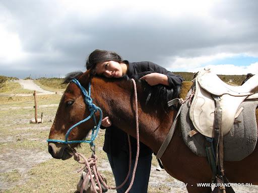 девушка индеанка и лошадь