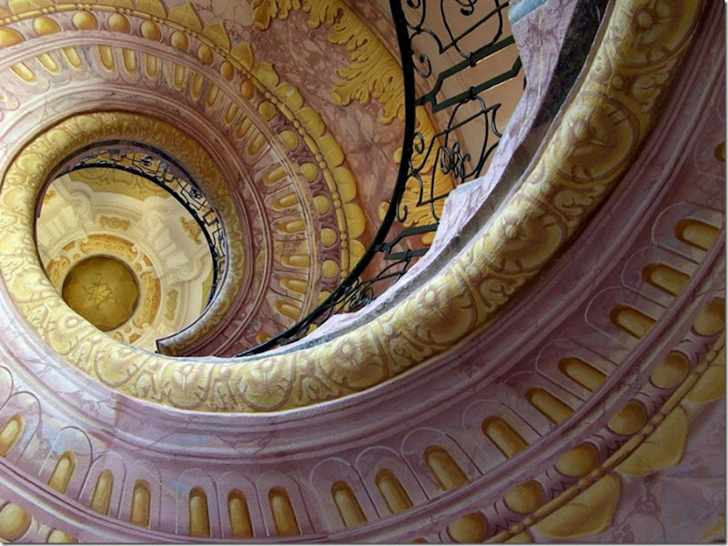 Baroque Spiral Staircase by artcornelius