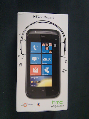 HTC Mozart 7 Windows Phone 7 in the box