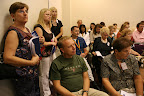 A standing-room-only session