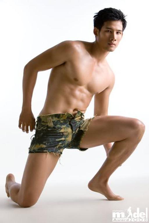 Asian-Males-Vietnamese-Model-Pham-Thanh-Thuc-07