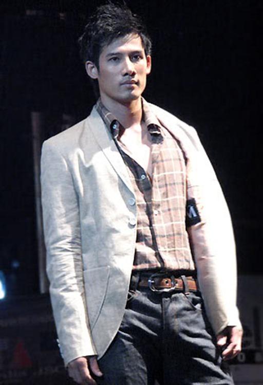 Asian-Males-Vietnamese-Model-Pham-Thanh-Thuc-26