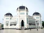 La mosquée de l'extérieur