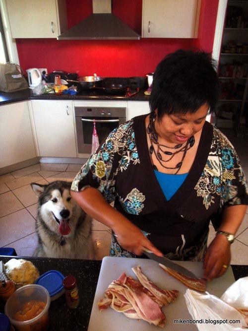 Rachelle prepares bacon
