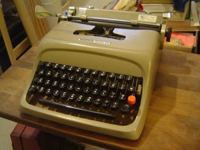 Olivetti, typewriter, Studio 44