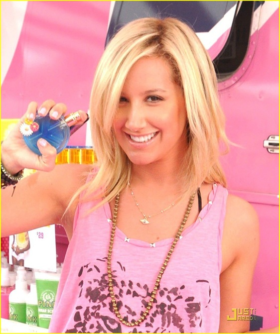 ashley-tisdale-life-pink-05