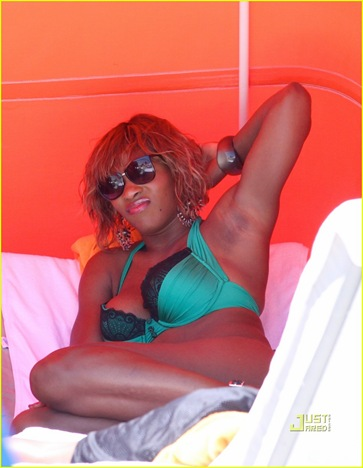 serena-williams-miami-beach-bikini-04
