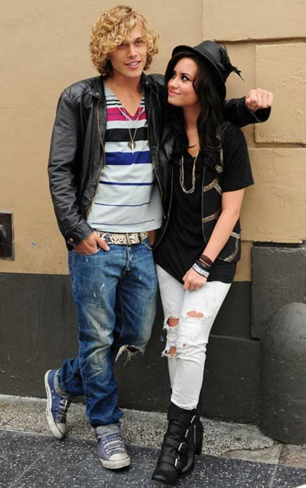 demi-cris-brown-3