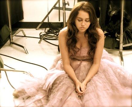 Miley-Cyrus-twitter-b02