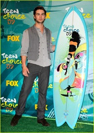 chace-crawford-taylor-lautner-teen-choice-awards-19