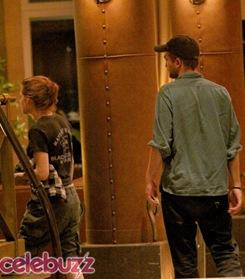 Robert Pattinson y Kriten Stewart besandose1