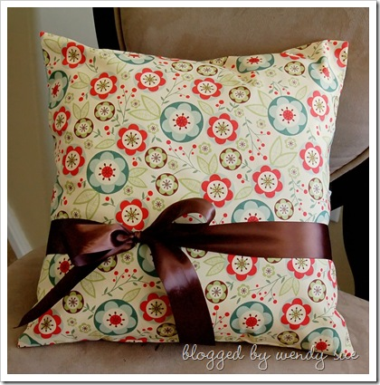 earlybird_pillow_front