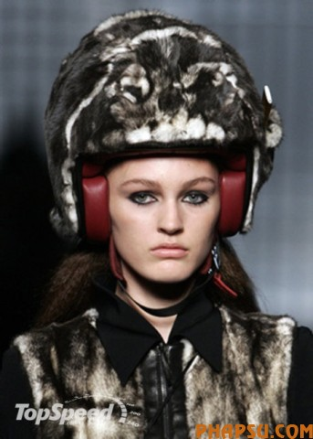 fur-covered-helmets-_460x0w.jpg