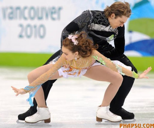 Georgia's Allison Reed and Otar Japaridze perform in the Ice Dance Free program at the Pacific Coliseum in Vancouver, during the 2010 Winter Olympics on February 22, 2010. AFP PHOTO / YURI KADOBNOV (Photo credit should read YURI KADOBNOV/AFP/Getty Images)