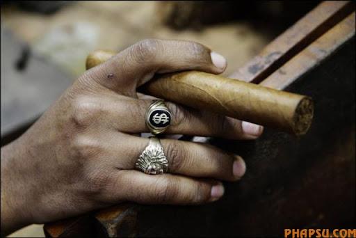 cuban_cigars_cohiba_13.jpg