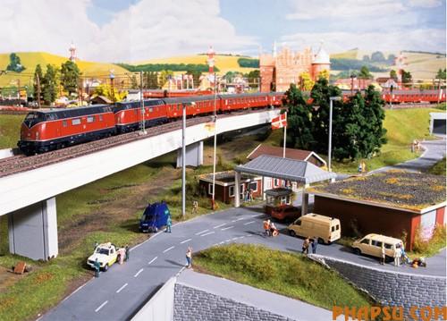 model-train-set01.jpg