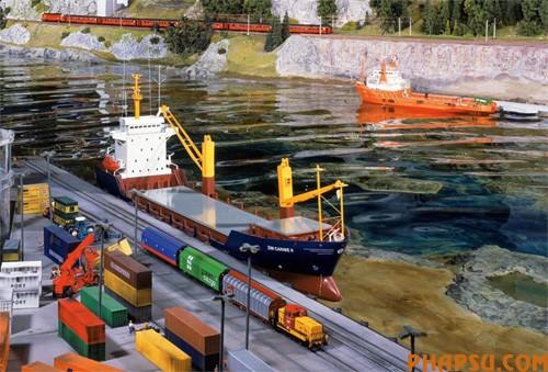 model-train-set06.jpg