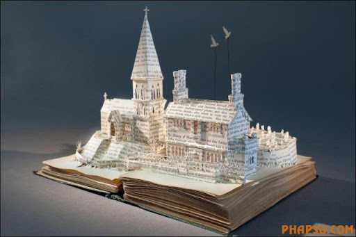 Awesome_Book_Sculptures_1.jpg