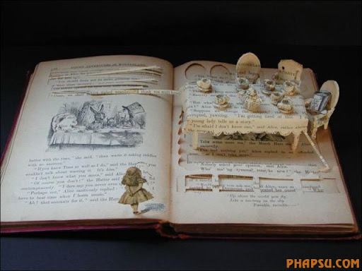 Awesome_Book_Sculptures_13.jpg