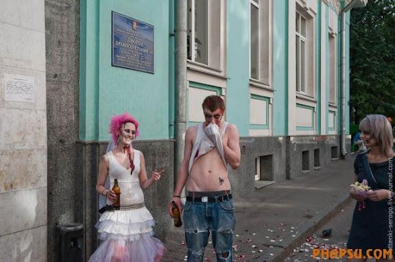 zombie_wedding_640_34.jpg