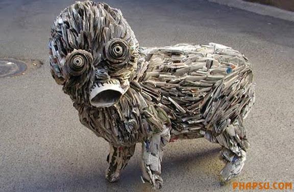 weird-newspaper-sculpture.jpg