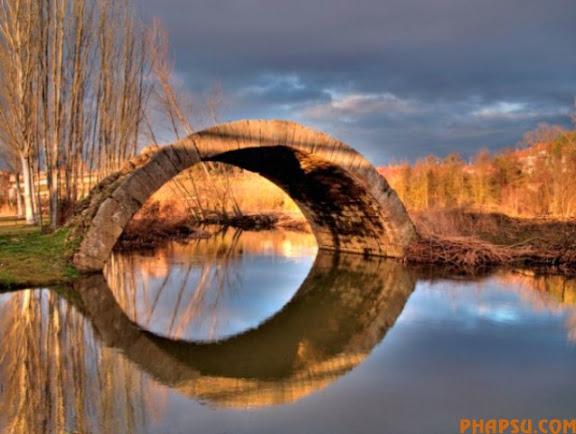 striking_reflective_photography_640_03.jpg