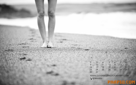 august-10-sand-between-my-toes-calendar-1440x900.jpg