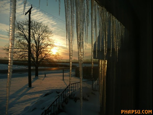 winter_SunriseInColdMorning_001.jpg