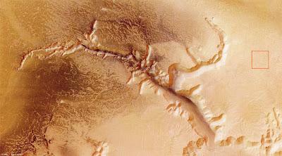 Echus Chasma, mostrando la región ampliada
