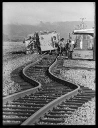 lge_edgecumbe_toppled_locomotive
