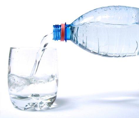 رائحة الفم الكريهة، أسبابها وطرق drink-water.jpg