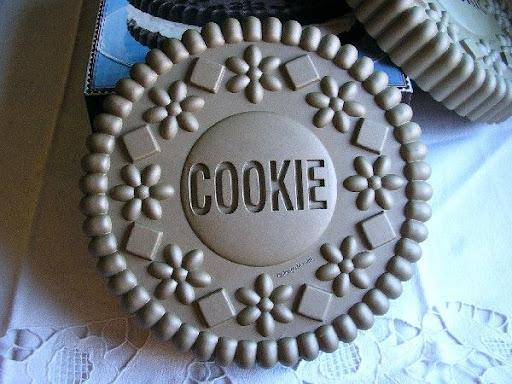 Williams Sonoma Oreo Cookie Cake Pan
