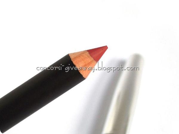 kiko-smart-lip-pencil-200