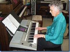 Ngaire Lonergan, playing Phyl Briscoe's super new Yamaha PSR-710