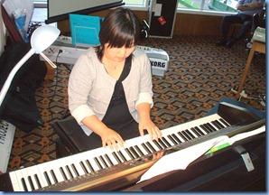 Mayu Murakami playing the Yamaha Clavinova CVP-509