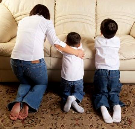 noturēt ģimenes lūgšanas