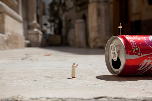 Little People Project y la iglesia moderna