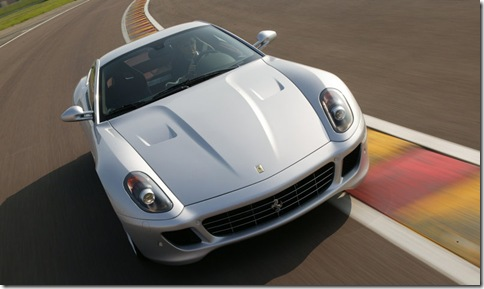 Ferrari-599_GTB_Fiorano_One-to-One_2009_800x600_wallpaper_01
