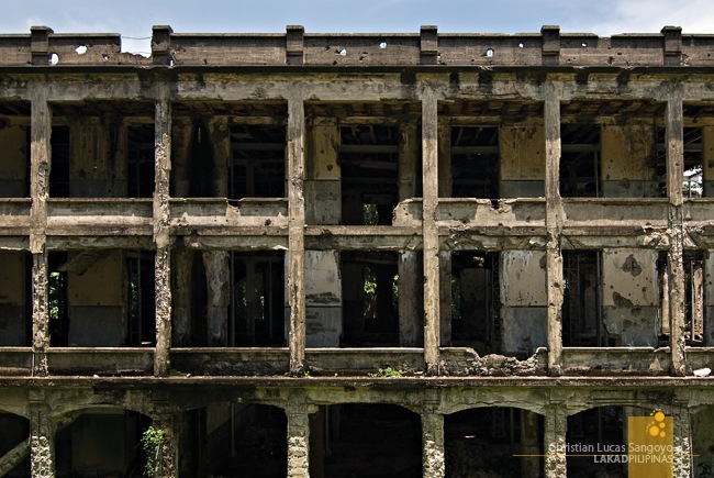What's Left of Corregidor's Barracks After the Japanese Bombings