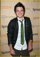 simon-curtis-josh-hutcherson-palm-party-10