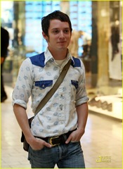 elijah-wood-apple-store-11