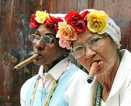 cubanas fumando