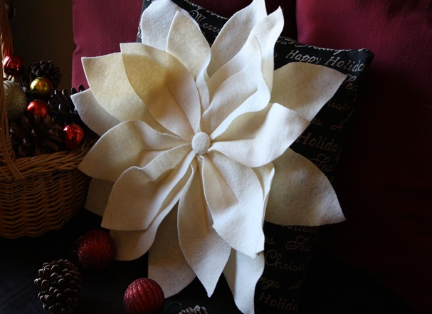 Poinsettia Pillow 022