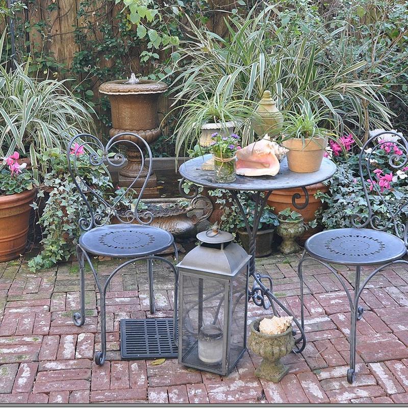 Reed Dillon: Private Gardens