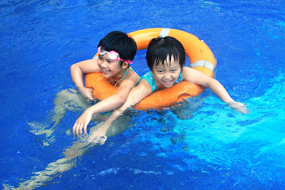 Gia đình & Xã hội: Tuổi nào nên học bơi?
